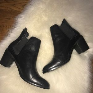 Steven by Steve Madden Black Leather booties 9